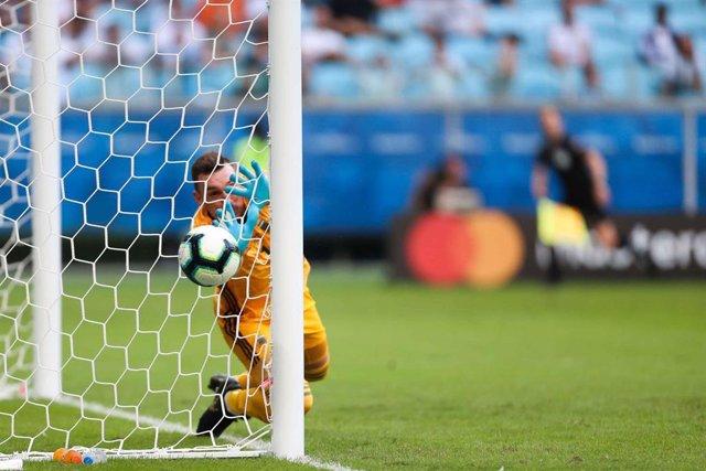 Fútbol.- Brasil y México suspenden el fútbol para luchar contra la expansión del