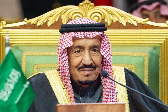Coronavirus.- Arabia Saudí pide a la población que no salga de sus casas salvo q