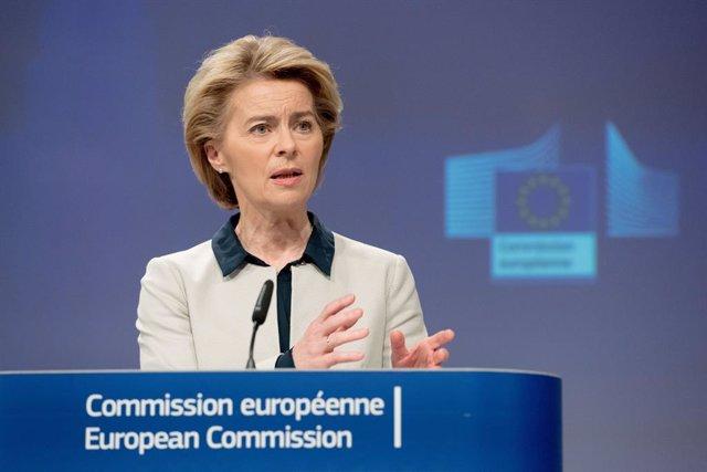 """Coronavirus.- Bruselas pide vetar los viajes """"no esenciales"""" a la UE durante al"""