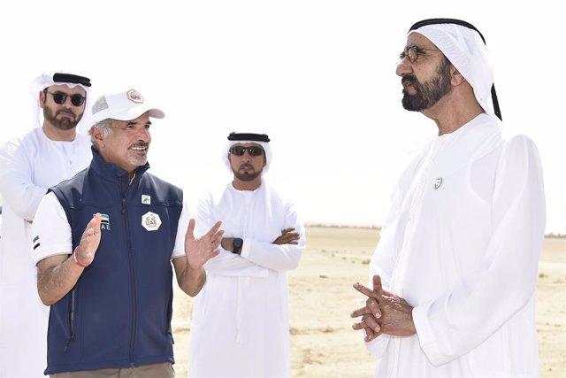 Coronavirus.- Emiratos Árabes Unidos suspende los rezos durante cuatro semanas a