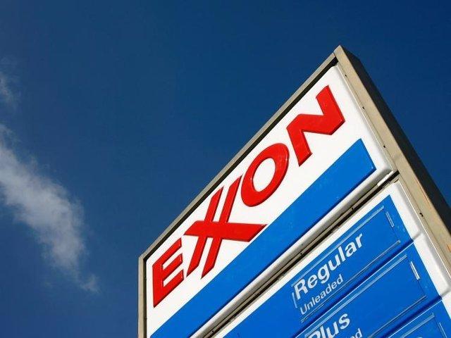 EEUU.- S&P rebaja el rating de ExxonMobil hasta 'AA' por la caída del precio del