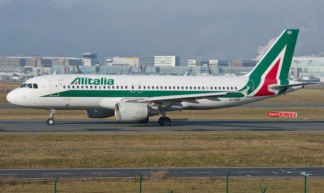 Avión Alitalia.