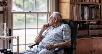 Los peligros del aislamiento domiciliario para las personas mayores