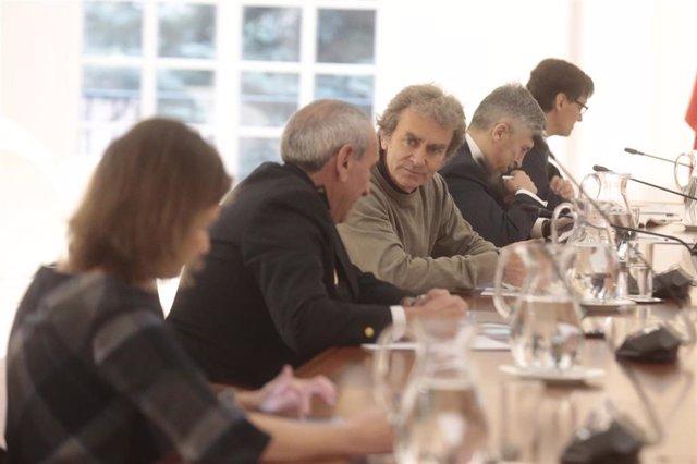 El presidente del Gobierno, Pedro Sánchez, preside la reunión para tratar la crisis del coronavirus en La Moncloa, Madrid (España), a 17 de marzo de 2020.