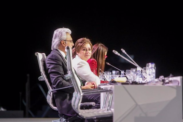 El secretario ejecutivo adjunto de la ONU, Ovais Sarmad (1i), la secretaria ejecutiva de la ONU, Patricia Espinosa (2i), durante la última jornada de la COP25, en Madrid (España) a 15 de diciembre de 2019.