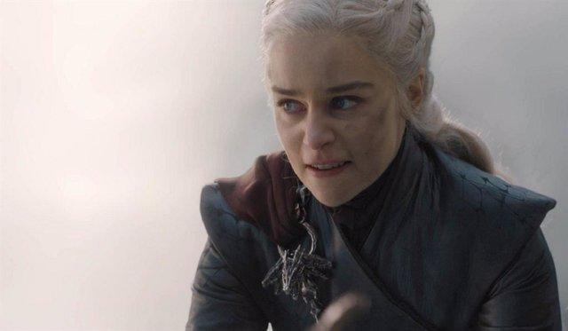 Emilia Clarke (Daenerys) en el final de Juego de tronos