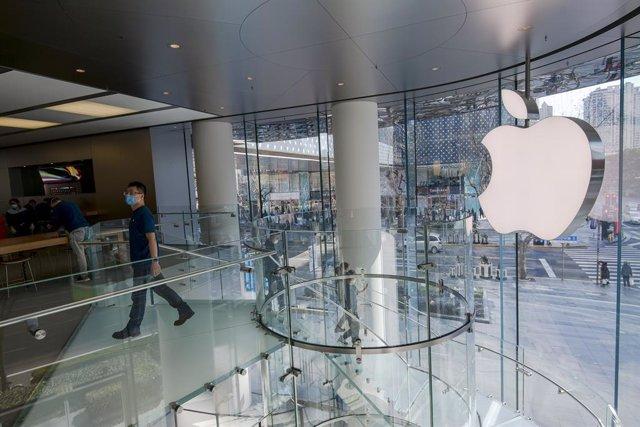 EEUU.- Decenas de empresas cierran voluntariamente sus tiendas en Norteamérica a
