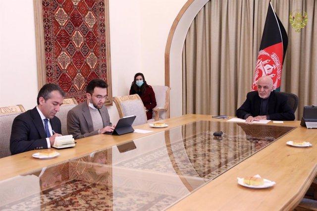 Coronavirus.- El Gobierno de Afganistán pide a los talibán un alto el fuego por
