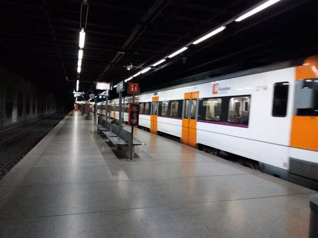 Estació del Clot de Rodalies de Catalunya durant l'estat d'alarma decretat pel coronavirus
