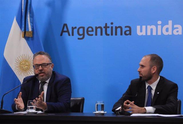 Economía.- Argentina moviliza 5.000 millones en créditos por la crisis del coron