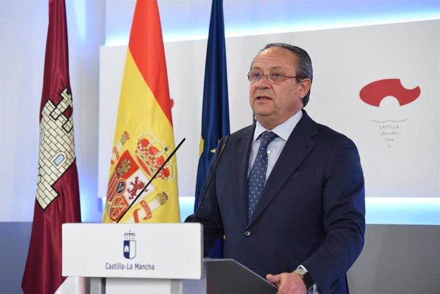 El consejero de Hacienda, Juan Alfonso Ruiz Molina.