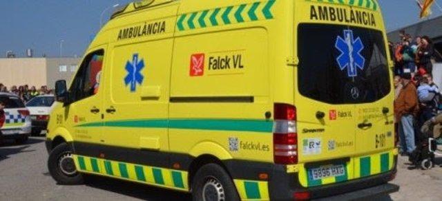 Imatge d'una ambulància de Flack VL prestant servei a CatSalut
