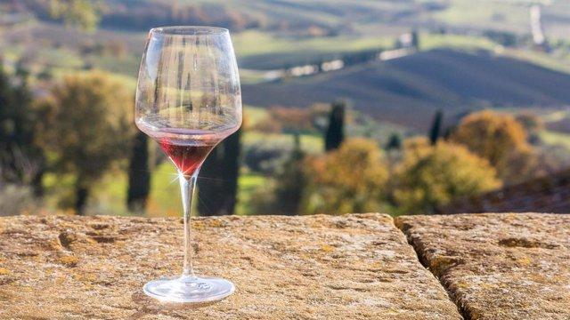 La Cumbre Iberoamericana del Vino prevista en junio en Extremadura se aplaza a o