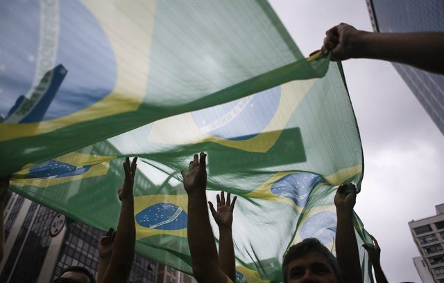 Imagen de archivo de banderas de Brasil.