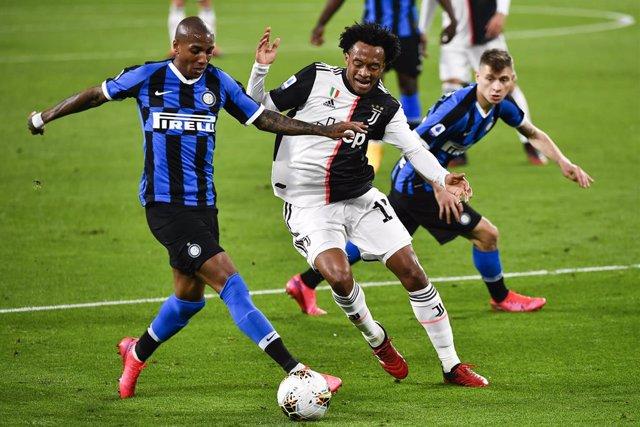 """Fútbol.- El ministro italiano de Deportes valora el 3 de mayo como """"una posible"""