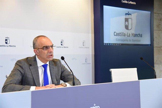 El director general de Salud Pública de Castilla-La Mancha, Juan Camacho, en rueda de prensa