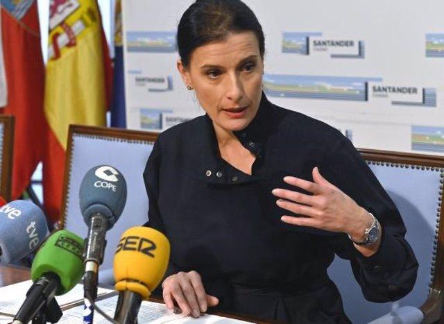 La alcaldesa de Santander, Gema Igual, en una rueda de prensa