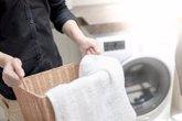 Foto: 5 trucos para desinfectar la ropa que vuelve a casa