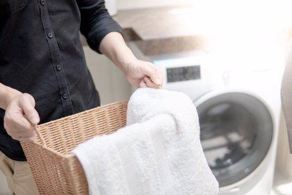 5 trucos para desinfectar la ropa que vuelve a casa