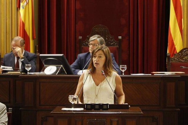 La presidenta del Govern balear, Francina Armengol, en una intervención en el pleno del Parlament.