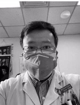 El médico chino Li Wenliang, uno de los ocho médicos que alertó sobre la aparición del nuevo coronavirus (2019-nCoV)