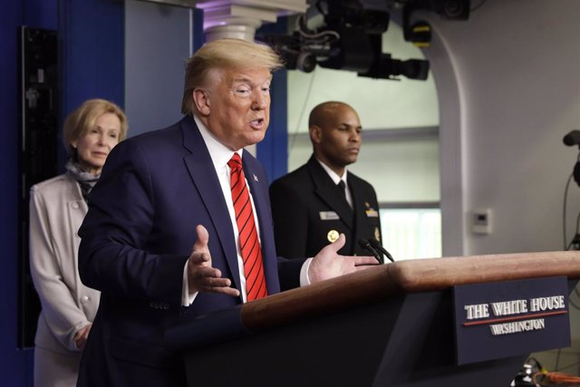 Trump anuncia que los barcos de crucero estarán disponibles para luchar contra e