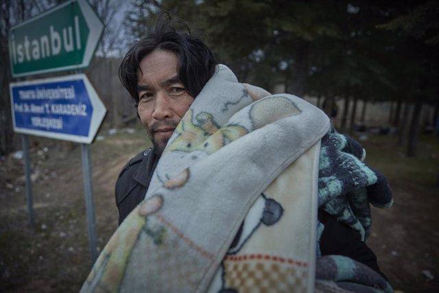 Un refugiano afgano en el campamento de Edirne, en el noroeste de Turquía.