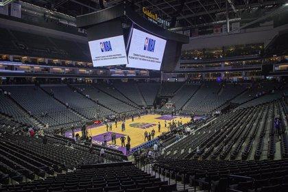 Dos jugadores de los Lakers y tres miembros de los Sixers dan positivo por coronavirus