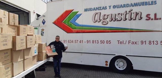El dueño de la empresa Mundanzas Agustín dona al Hospital Puerta de Hierro de Majadahonda miles de mascarillas de un cliente fallecido