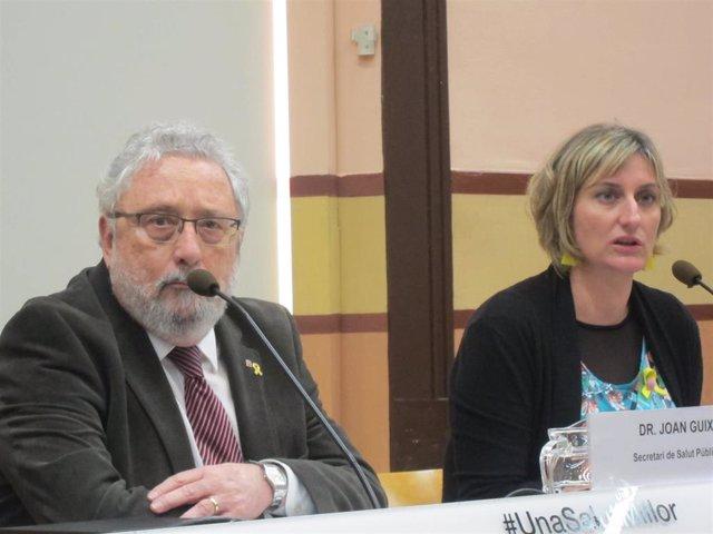 El secretario de Salud Pública Joan Guix y la consellera Alba Vergés han explicada las últimas informaciones del brote concentrado de Igualada (Barcelona) (Archivo)