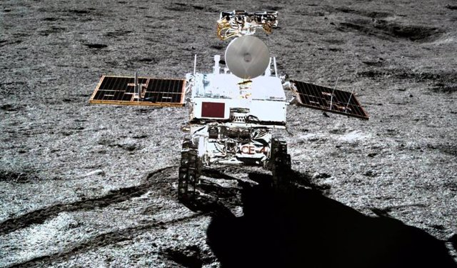 El rover lunar chino supera 400 metros recorridos en la cara oculta