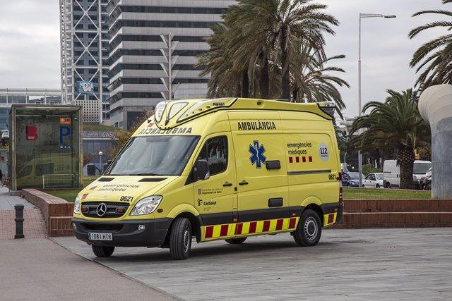 Ambulància del SEM a Barcelona (Arxiu)