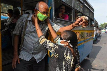 Coronavirus.- El Gobierno indio cierra todos los negocios en Bombay excepto tiendas de alimentación, bancos y farmacias