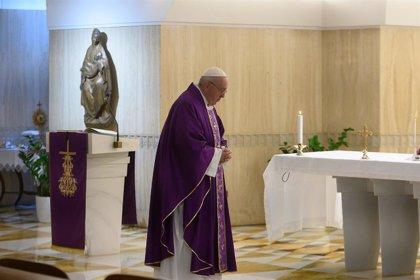 Papa Francisco.- El Papa concede indulgencia plenaria a los enfermos por coronavirus, a sus familiares y a los sanitarios