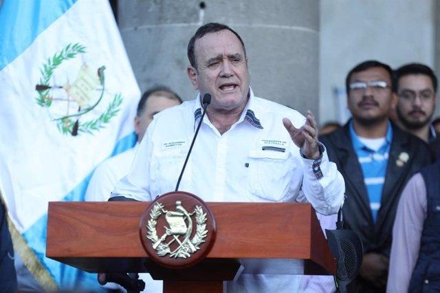 Coronavirus.- Polémica en Guatemala por el cese del viceministro de Salud en ple