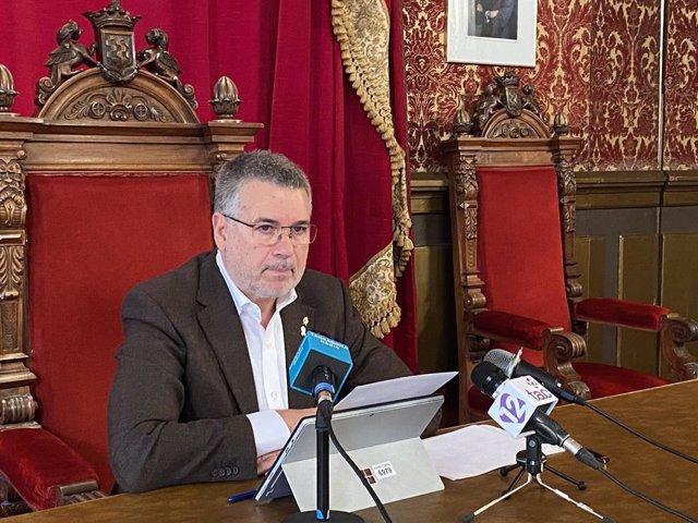 L'alcalde de Tarragona, Pau Ricomà, en roda de premsa.