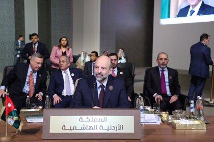 Jordania advierte de que podría aplicar el toque de queda si no se respetan las medidas impuestas contra el coronavirus