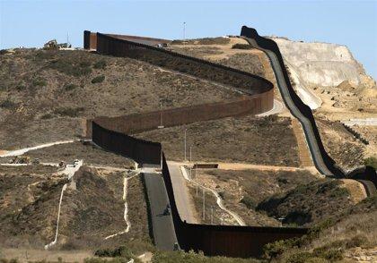 """Coronavirus.- México y EEUU acuerdan restringir los viajes """"no esenciales"""" por la frontera común"""