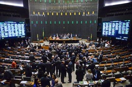 """El Senado de Brasil aprueba el """"estado de calamidad"""" por el coronavirus con siete muertos y más de 600 casos"""