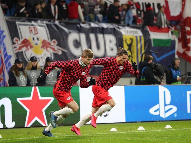 """Fútbol.- El Leipzig vuelve a los entrenamientos """"sin tocarse"""" y en """"vestuarios s"""