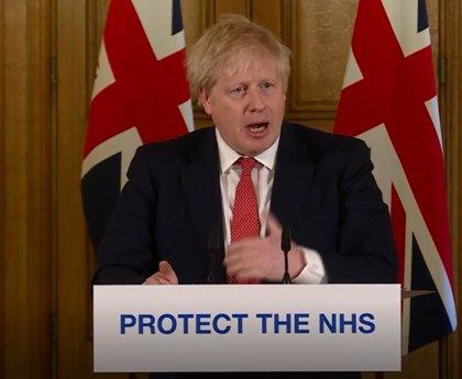 Coronavirus.- Johnson pide el cierre inmediato de los servicios no esenciales tras confirmarse 177 muertos