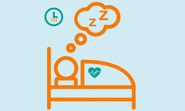 Dormir siete horas seguida para ciudar el corazón