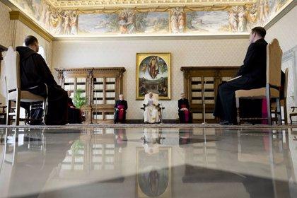 """Papa Francisco.- El Papa reza para que las familias venzan """"juntas"""" las """"angustias"""" del confinamiento"""
