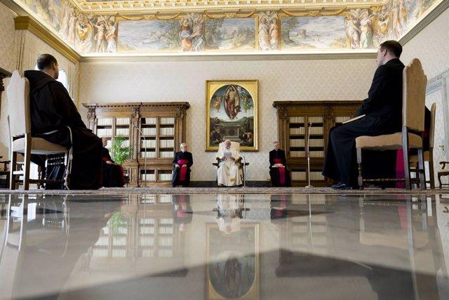 """Coronavirus.- El Papa reza para que las familias venzan """"juntas"""" las """"angustias"""""""
