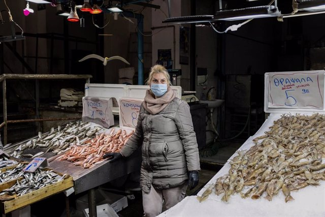 Pescadería en Grecia durante la crisis del coronavirus