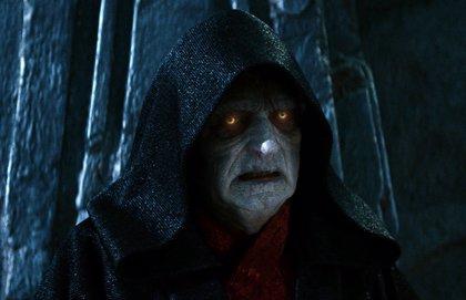 Star Wars explica al detalle cómo sobrevivió Palpatine tras su combate con Darth Vader