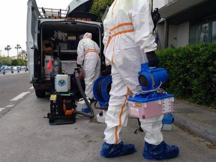 El Zoosanitario de Sevilla realiza con la UME y Lipasam la desinfección de edificios municipales y vías públicas