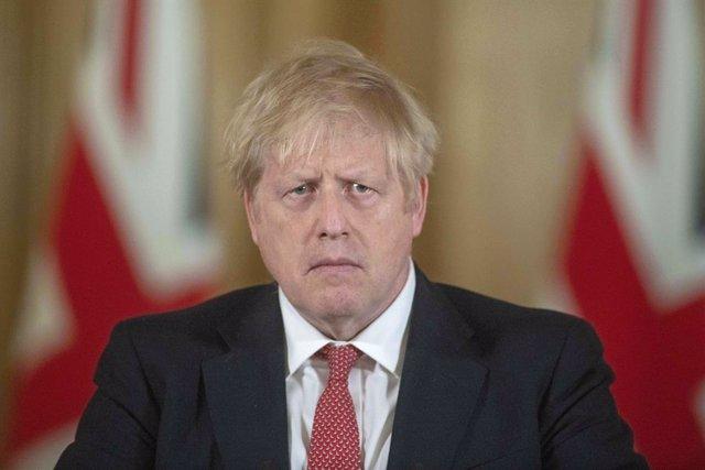 """Coronavirus.- Johnson reconoce que la sanidad británica podría acabar """"abrumada"""""""