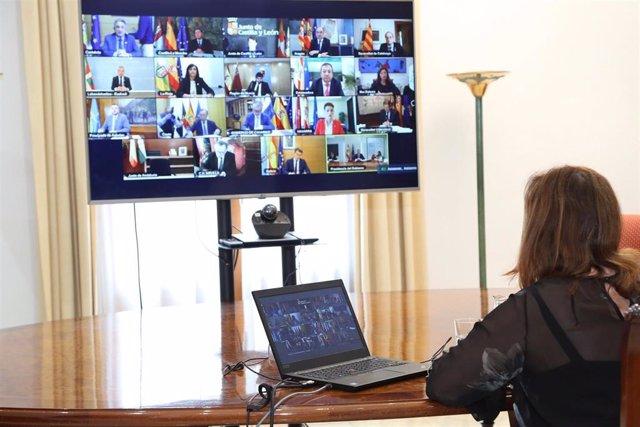La presidenta del Govern, Francina Armengol, participa en la videoconferencia de presidentes de las comunidades autónomas con el Gobierno.