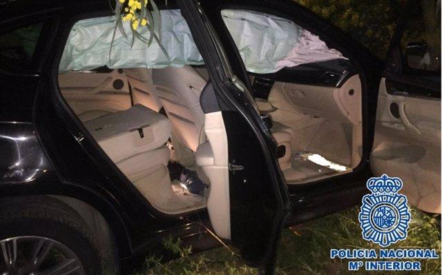 Uno de los coches accidentados en Marbella que permitió a la Policía Nacional desarticular una red criminal dedicada a sustraer drogas a otras organizaciones criminales, entre otros ilícitos